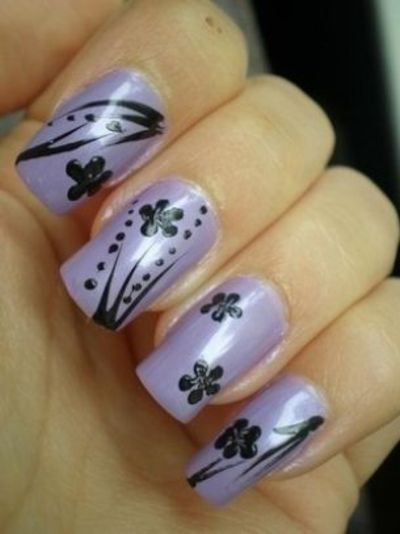 Flowers nails art in PURPLE shades