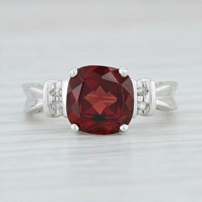 A Vintage Natural 10K White Gold .25CT Cushion Cut Red Garnet Solitiare Mined Diamond Ring $200.00