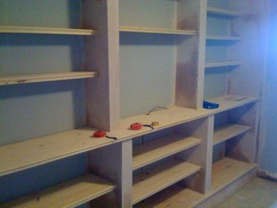Built-in shelves DIY - I want to do this in my living room.
