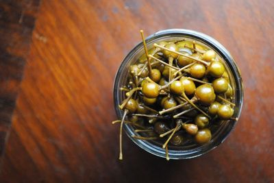 """Chile Pequín en Escabeche �€"""" Pickled Pequíns--- I have a bunch of chile pequìn peppers from my back yard that I will be doing this to very soon. Great holiday gifts too."""