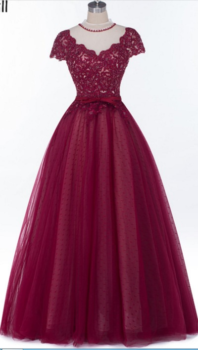 Fancy Gown kr1799.00