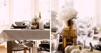 Fall table setting. Love the combination of the polkadot fabric, the mini pumpkins and the brown apothecary bottles. Easy to do both very pretty table for autumn.