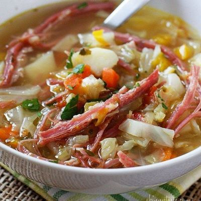 Yum It's a cold, snowy day, perfect for this soup! Cabbage, potatoes, bell pepper and aromatics simmered on the stove with corned beef create this wonderful one