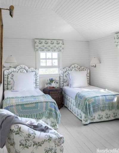 painted floors in this cozy count for the bedroom juxtapost