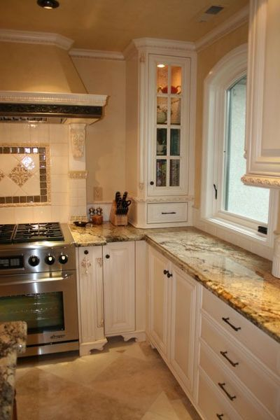 Little French Country Kitchens | My French Kitchen: Je T'aime, French country-inspired kitchen. Total ...