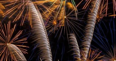 15 tips for successful fireworks photography: what camera settings to use, what equipment do you need, how to set up and get the most colorful results.