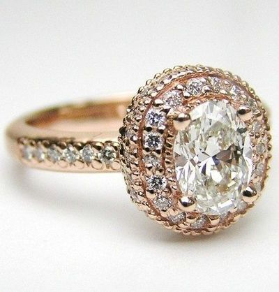Usually not a fan of gold rings but this is gorgeous