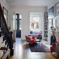 This elegant row house is located in Carroll Gardens, a neighborhood of Brooklyn, New York City, USA. Originally a three-family home, it was converted into a si