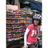 Cycling Adventure in China Town Bangkok Half Day Tour Chinatown In the heart of downtown Bangkok lies the always active and often mysterious district of Chinatown. Here, alleys disappear into forgotten temples, exotic markets spill onto the streets, and ...