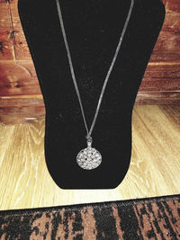 Hobo Chic Large Silver Flower Pendant Necklace. $15.00