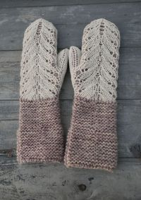garter stitch mittens with lace overlay