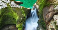 For all enjoyers in travel world inside pictures today has an amazing collection of the places that you should visit. You can see natural pools , amazing waterf