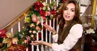 How to Decorate for #Christmas with Garland