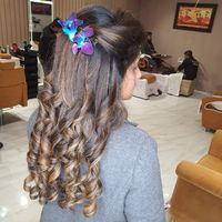 Pampering yourself is the part of self-love. There are some of the Best Hair salon In Delhi that are going to make your Best hairstyle. Since these Best salon In Delhi Have the professionals Makeup Artist In Delhi from the best Makeup Studio In Delhi, the...