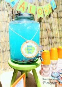 This fabulous SURFER BOY LUAU BIRTHDAY PARTY was submitted by Jamie Forsythe of Sweet Jelly Parties. What an awesome party for a little boy! I love all of the b