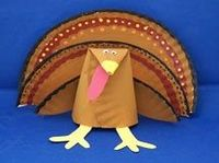 LOVE this adorable paper plate turkey! And yet, I have a feeling that my Kinders will love it more. PRECIOUS!