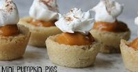 Mini Pumpkin Pies (with a sugar cookie crust!) | Mix and Match Mama | Bloglovin