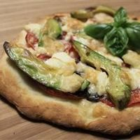"""Chicken Avocado Pizza 