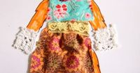 This is a tutorial for homemade paper dolls with fabric clothes. With free printable paper dolls for coloring and decorating. Brilliant.