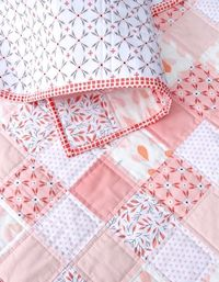 Between Amy Sinbaldi and Alisse Courter, I was in some kind of incredible Fabric Heaven in the making of this quilt. I had fallen in love a while ago with Alisse Courter's Magnolia line of f�€�
