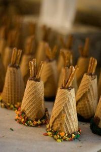 Thanksgiving - tepees for kids table