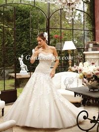 A-line Strapless Chapel Train Appliques Shiny Crystals Tulle Wedding Dress 2014