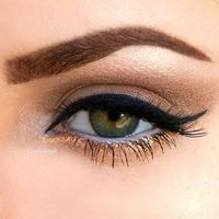 Love this. Gold eyeliner for some color