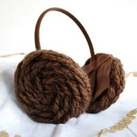 """DIY - Princess Leia Hair Buns Headband - great for costume! also one of these would have made life so much easier for my mom whenever i wanted """"princess leia buns"""" when i was a kid. haha"""