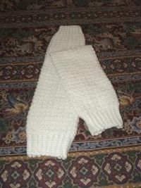 crochet legwarmer pattern - don't know if I could pull them off, but maybe for MA?