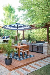 AMAZING OUTDOOR KITCHEN YOU WANT TO SEE. Wow, this space is gorgeous! What a transformation!�™��