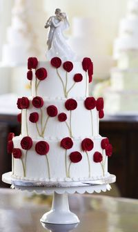#KatieSheaDesign �™�� � A bouquet of fondant roses makes the perfect wedding cake decoration.
