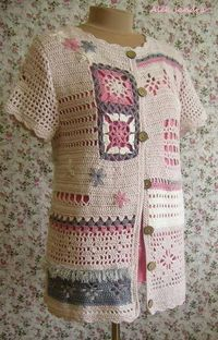 Site with lots of pictures where granny squares were used for various garments.