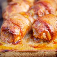 bacon-wrapped-chicken-with-jack-daniels-bbq-sauce-recipe....I have got to quit looking at Pinterest before I eat my dinner! Everything looks so amazing when you are hungry! LOL But I really do think this is one of those must try recipes!