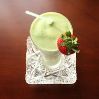 Shamrock Green Smoothie - A Shamrock Shake without all the calories, sugar, or chemicals