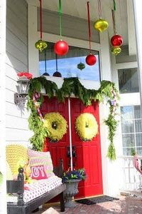oh this is a good idea for our front porch! Love it! Now I just need to figure out what color I'm painting the front door...