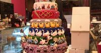The 12 Days Of Christmas Cake, very cool... THAT would be an epic Christmas wedding cake!