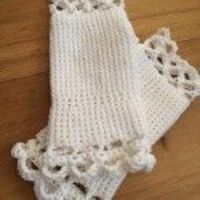 Handmade crochet lace bridal fingerless gloves only £8 in any colour of your choice!
