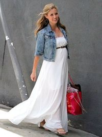 Kristin Cavallari, adorable in a flowy dress and denim jacket. #maternitystyle #maternityfashion #pregnancystyle