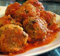 You'll never buy the frozen meatballs again, I promise, once you make these babies. They are so easy and fast, it's hardly any more effort than throwing down th
