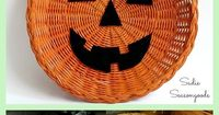 You know those old wicker paper plate holders that everyone's Mom had in the '70s and '80s? Well, time to upcycle them into pumpkin or jack-o-lantern door decorations / wreathes for Halloween and Fall! They are the perfect canvas for a repurpo...