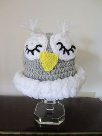 BABY OWL HAT. Cute Sleepy Owl Hat for Baby. by Bluetulipgifts