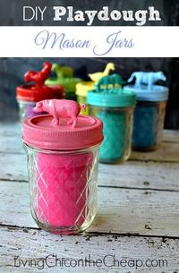 Farm Animal DIY Playdough Mason Jars are so easy to make. (They look pretty too). All you need it a little paint, mod podge, plastic toy animals and mason jars. #Kids #DIY
