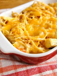 Easy Cheesy Chicken Spaghetti - Your family's new favorite dinner!