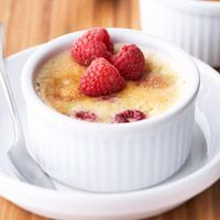 Raspberry Creme Brulee Recipe - 2 of my favorites - creme brulee and raspberries and only 5 ingredients!