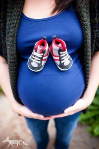 Cute Idea for Baby Bump photos. FUTURE MUST!