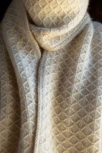 Laura's Loop: TrellisScarf - The Purl Bee - Knitting Crochet Sewing Embroidery Crafts Patterns and Ideas!