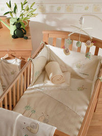Sidney and Lola Cot and Cot Bed Nursery Bedding Bale In soft, natural, earthy tones, Sidney and Lola is a contemporary collection, ideal for a newborn baby boy or girl. To fit cot and cot bed. Including: Quilt: 100 x 120cm. Approx 4 tog. Materials: Cove h...