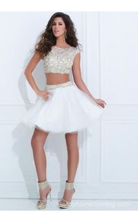 Look for more 2014 Tony Bowls Short Dresses.Compliment this Dress with rhinestone accessories to look amazing at your Social Occasion.You will feel like the center of attention in this unique.Breathtaking 2014 Tony Bowls by Short Prom Dress TS11485.Showca...