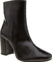 Schuh Black Aladdin Womens Boots Ankle boots dont get any more ultra-chic than the Aladdin from schuh. Crafted in glossy patent leather, reptile-inspired details decorate for a more premium feel and a handy zip fastening provides an http://www.comparestor...