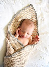 Why have I not paid attention to this pattern before?! Debbie Bliss blanket pattern #broody